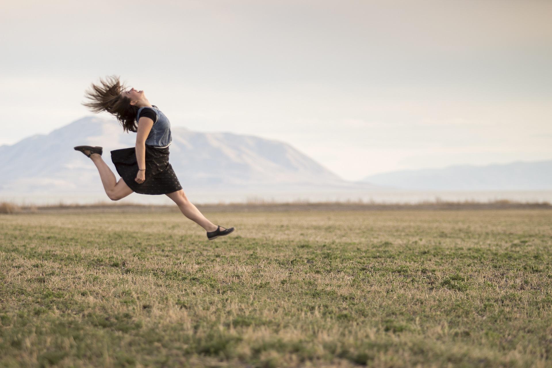 Chica-saltando